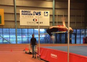 Sådan ser det ud når Andreas Asklund passerer 1.83.